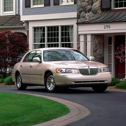 New Car/Review. 1998 LINCOLN TOWN CAR CARTIER