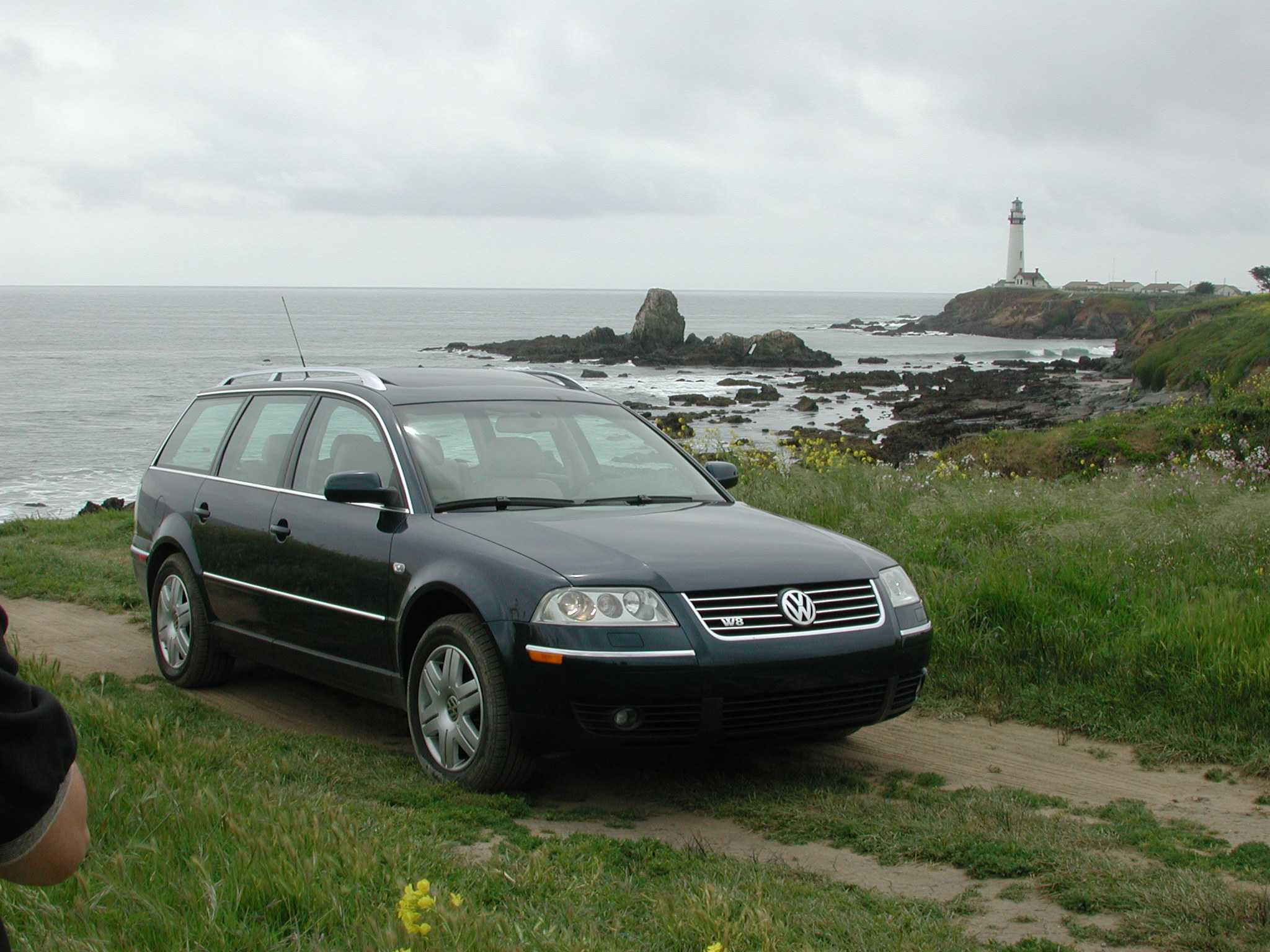review 2003 vw passat w8. Black Bedroom Furniture Sets. Home Design Ideas