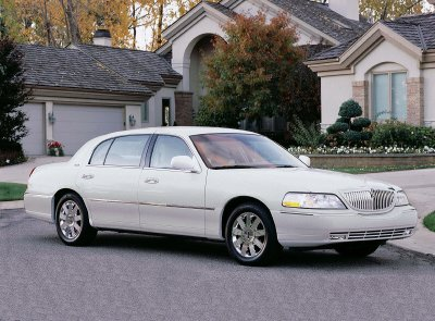 Used Cars Bellingham >> Car Review: 2003 Lincoln Town Car Cartier L