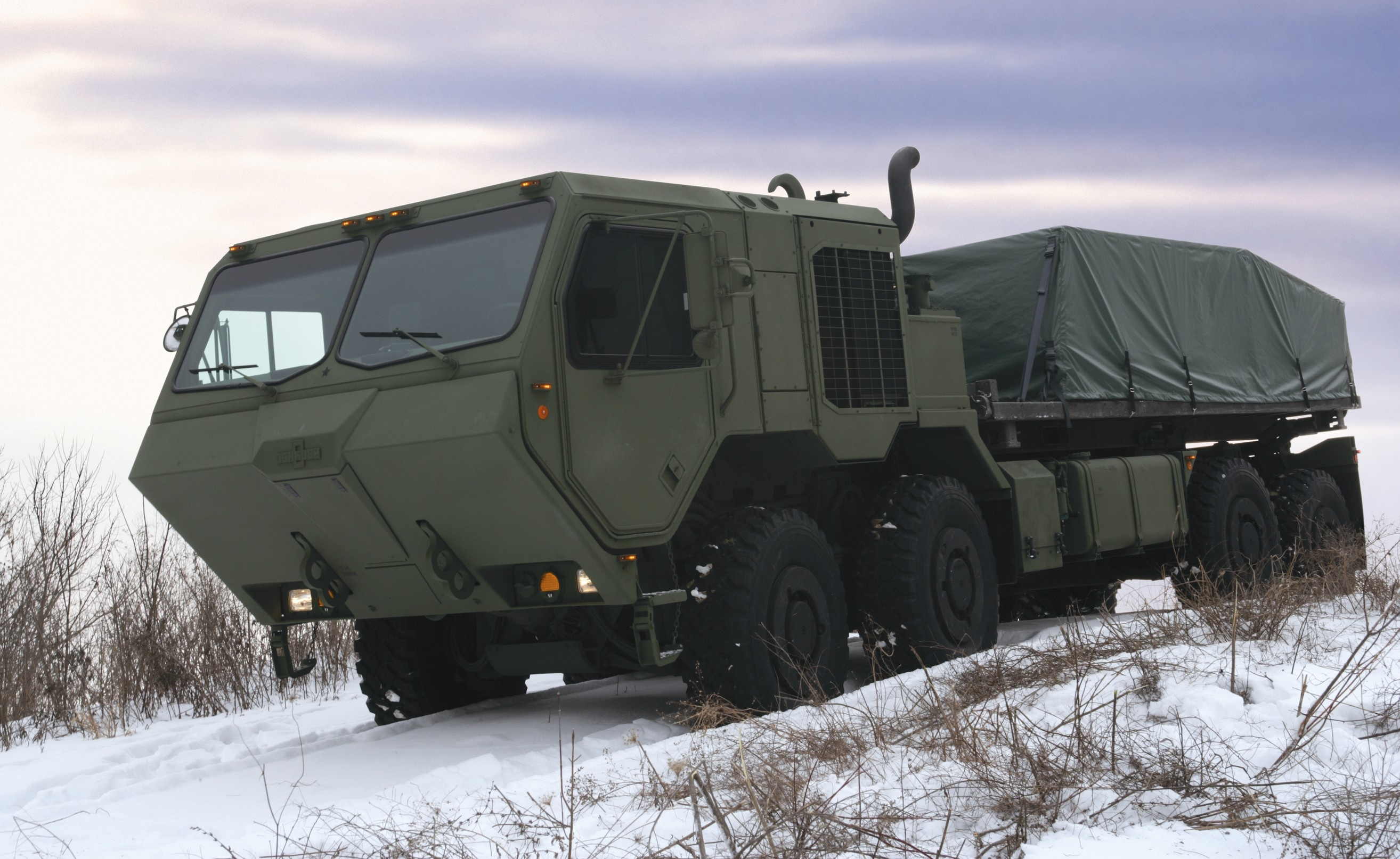 Oshkosh Truck Introduces Next-Generation Tactical Defense Truck, the ...