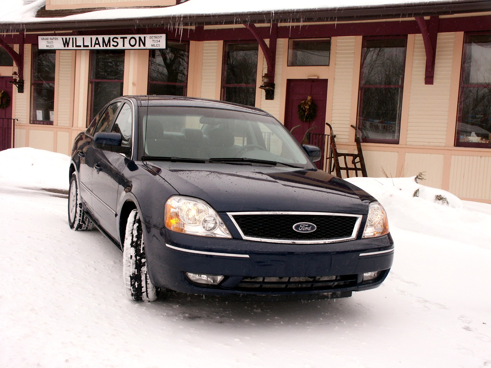 2005 Ford Five Hundred Review