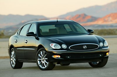 2005 Buick LaCrosse CXS Review