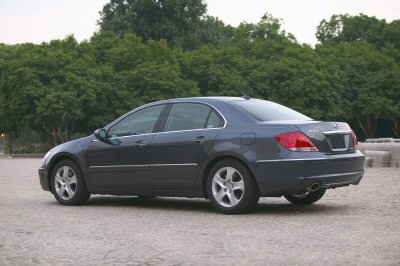 Acura 2005 on The Michelin Pax System Run Flat Tire Technology Helps Provide
