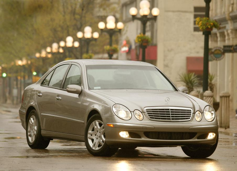 2006 Mercedes Benz E350 Review By John Heilig
