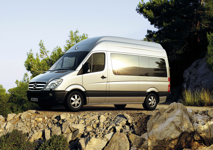 Holiday accommodation with star quality mercedes benz for Mercedes benz campers