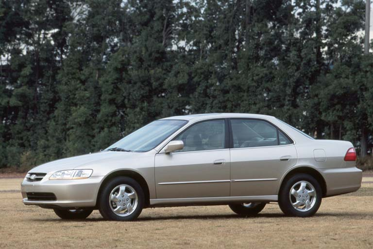 1992 honda accord. 2000 Honda Accord Review