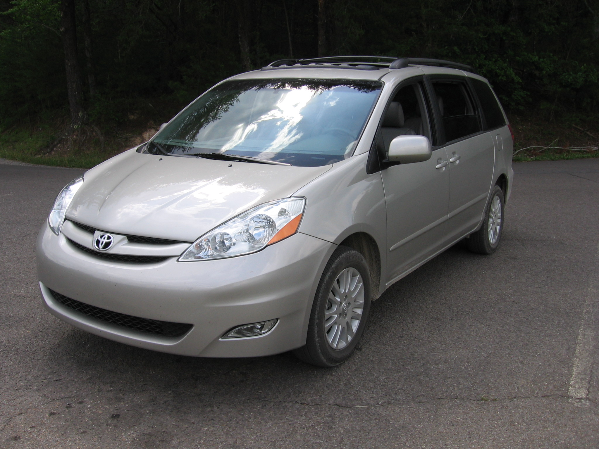 2007 toyota sienna xle awd review. Black Bedroom Furniture Sets. Home Design Ideas