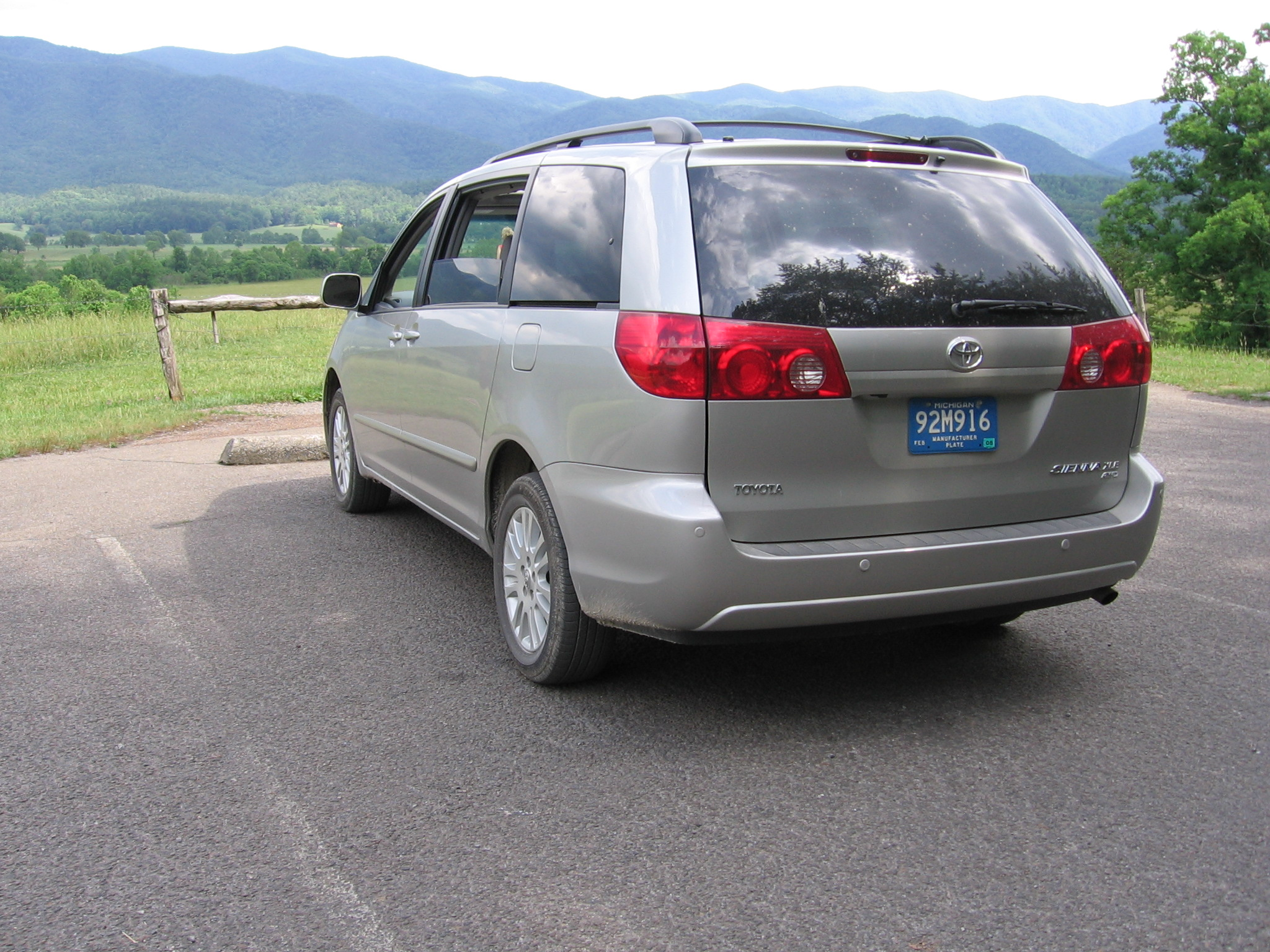2007 Toyota Sienna Xle Awd Review