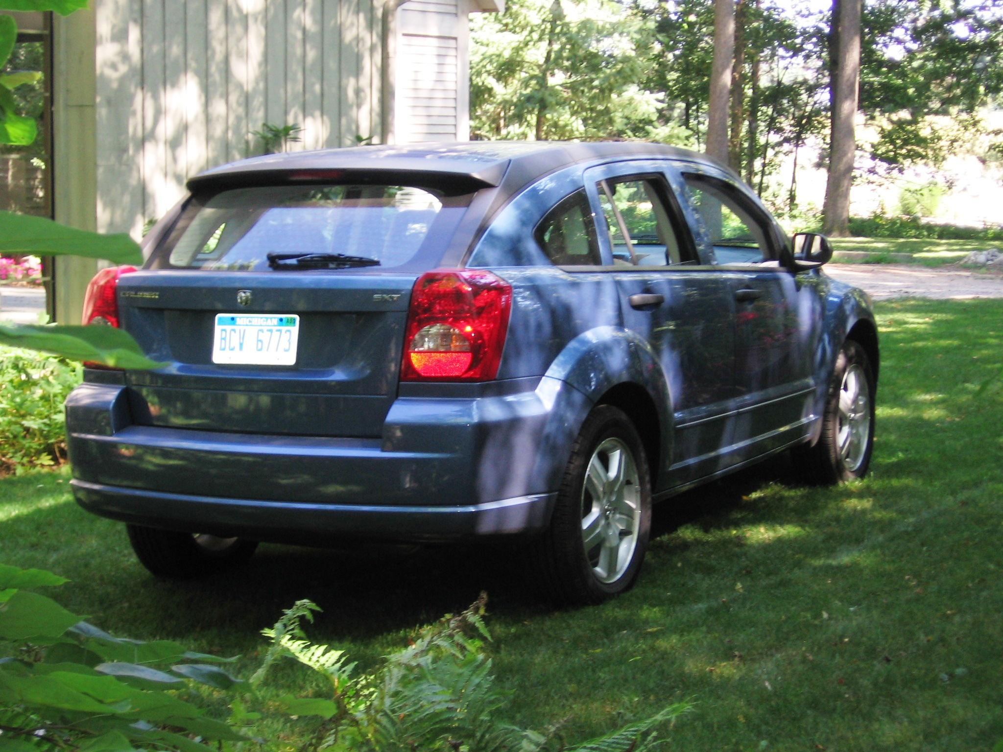 2007 dodge caliber sxt sport review. Black Bedroom Furniture Sets. Home Design Ideas