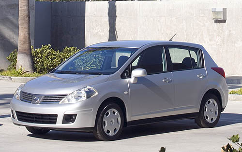 2008 Nissan Versa 1.8 SL HB Review