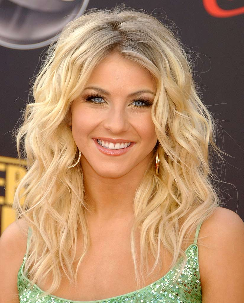 Julianne Hough wallpaper