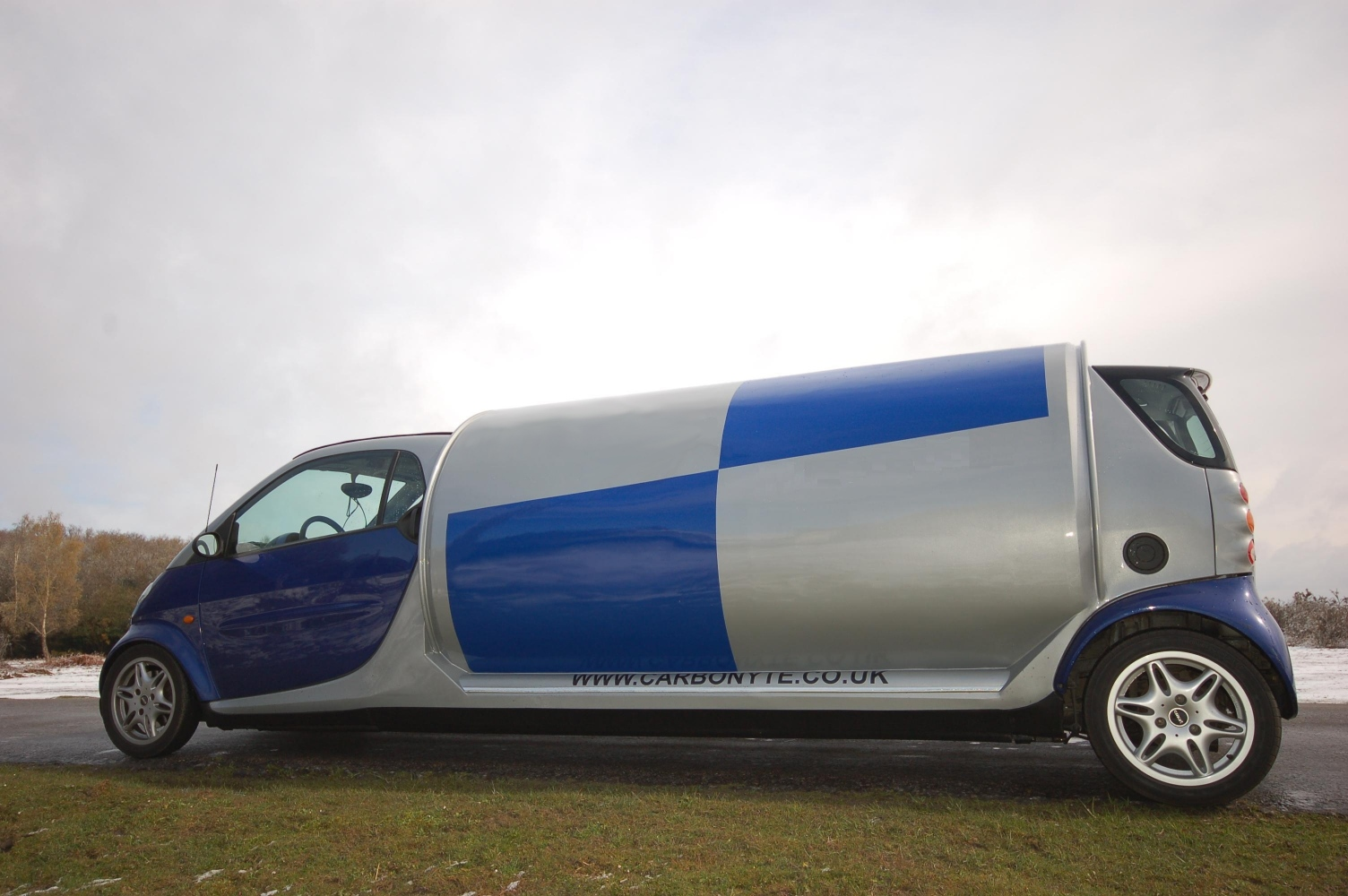 World U0026 39 S Only Stretch Smart Car Unveiled By Carbonyte Uk