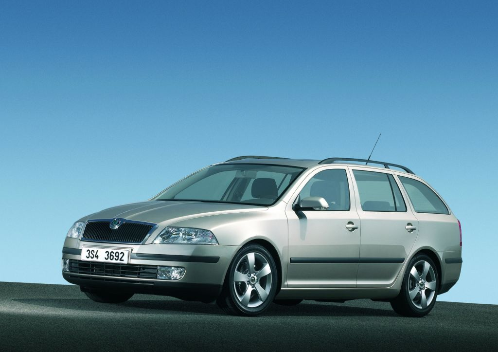 Car Residual Values >> Skoda Octavia Voted Best Estate By Auto Express