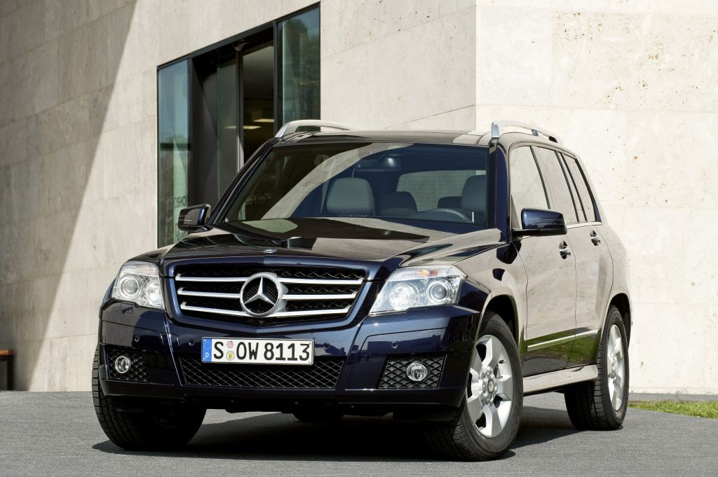 Tuv Sets Seal Of Approval On Distinctive Compact Suv The Glk Awarded Environmental Certificate