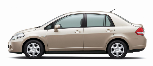 2009 Nissan Versa 1 6 Sedan Review