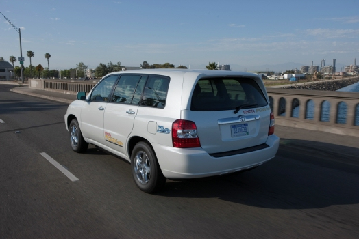 Toyota Advanced Fuel Cell Hybrid Vehicle Completes