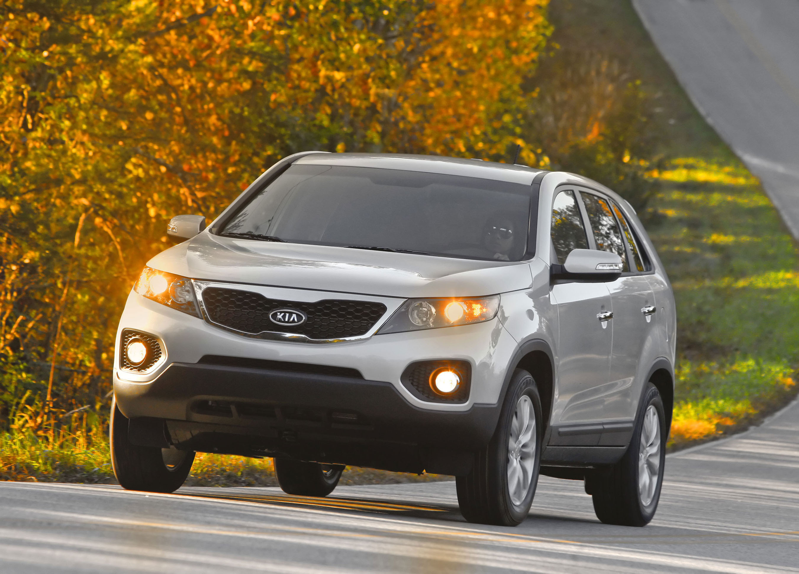 2011 kia sorento enters cuv segment. Black Bedroom Furniture Sets. Home Design Ideas