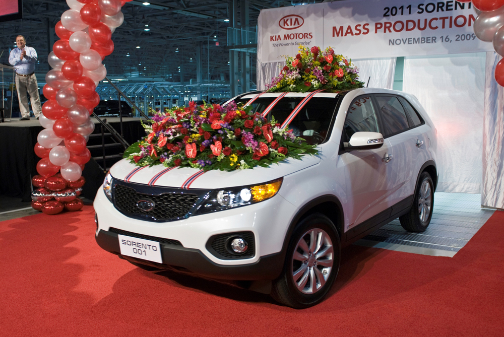 kia motors 39 first u s manufacturing plant starts production in west point ga video enhanced. Black Bedroom Furniture Sets. Home Design Ideas