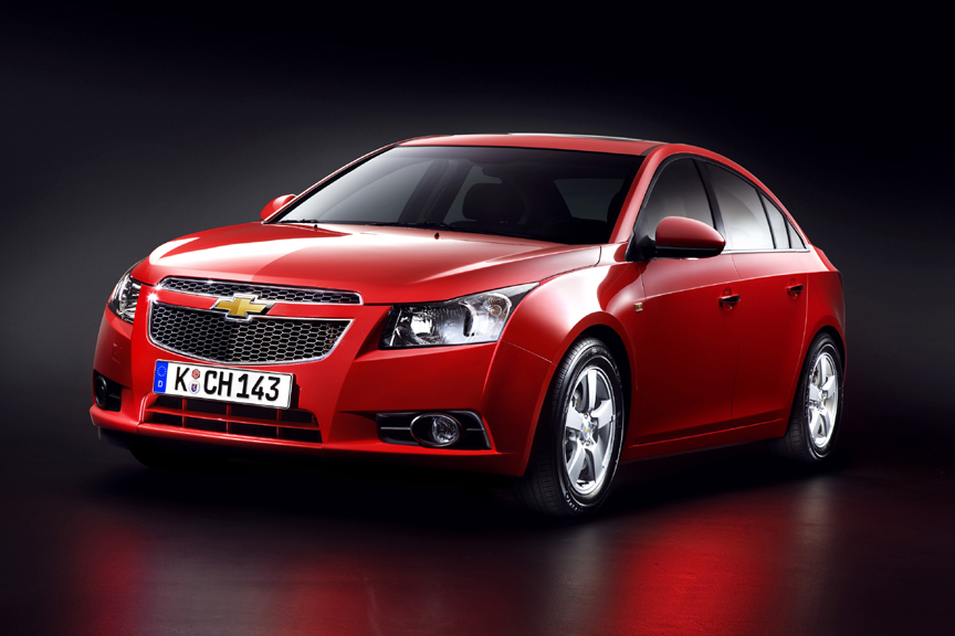 Chevrolet Cruze Brings Midsize Car Presence to the Compact Car Segment
