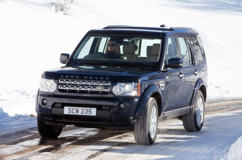 land rover discovery 4 named best 4x4 at the what car awards 2010. Black Bedroom Furniture Sets. Home Design Ideas