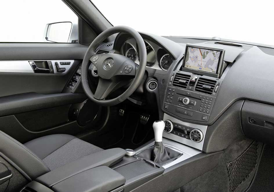 2011 mercedes benz c 180 cgi blueefficiency review first for Artico interieur