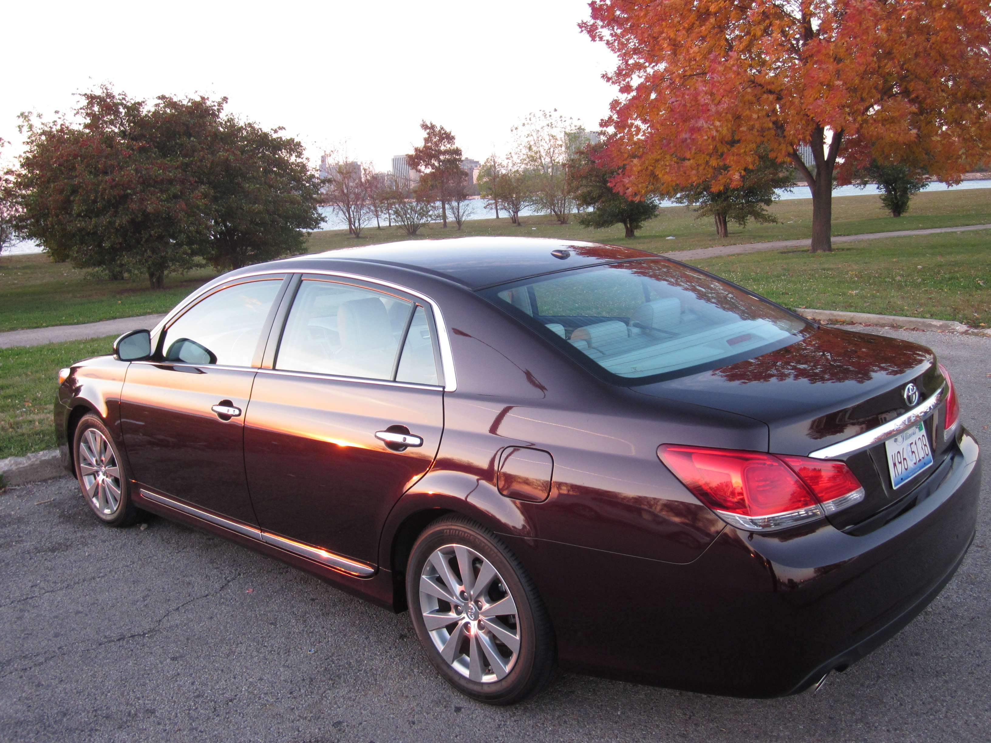 2011 Toyota Avalon Review
