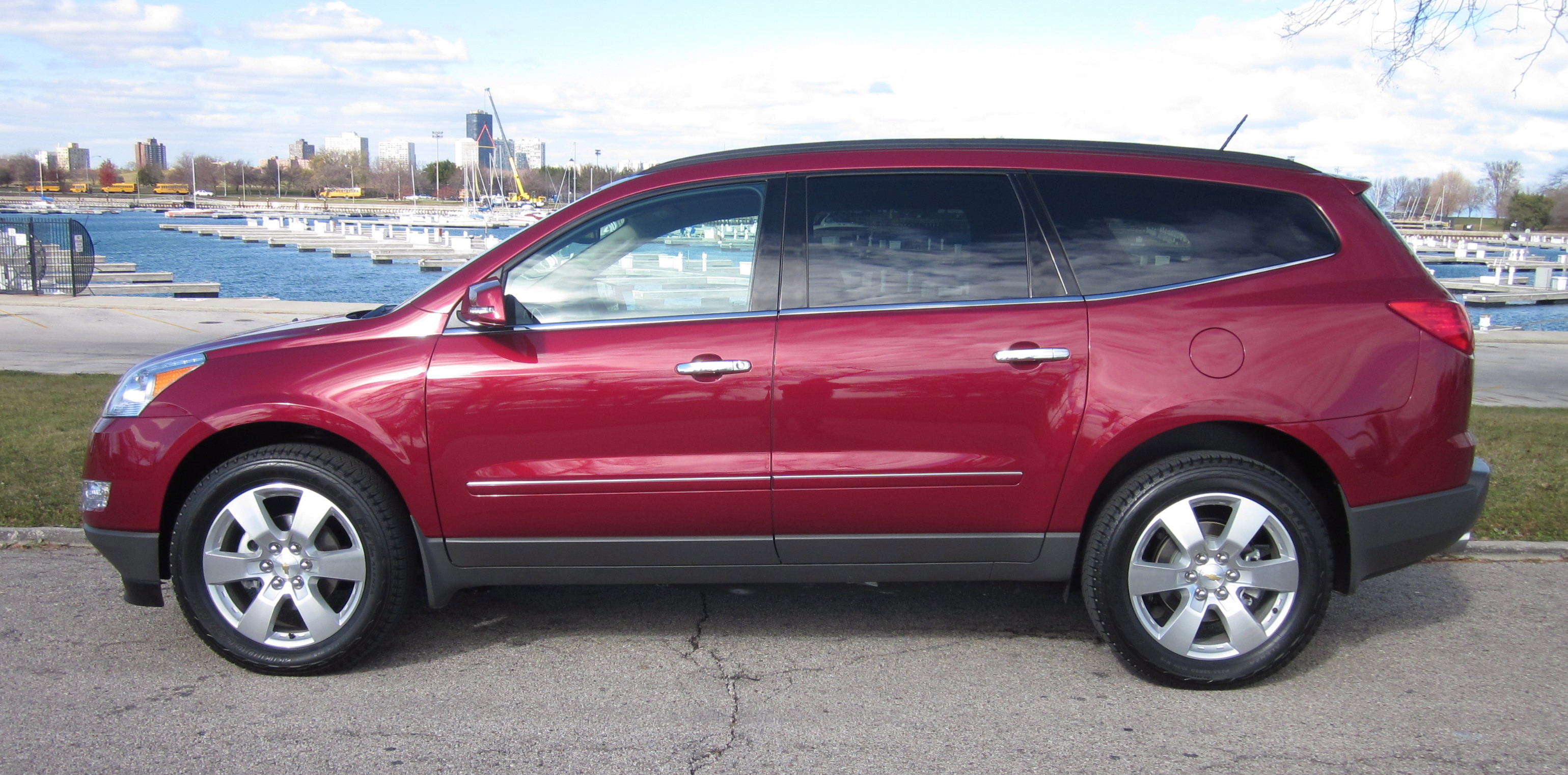 2011 Chevrolet Traverse Review