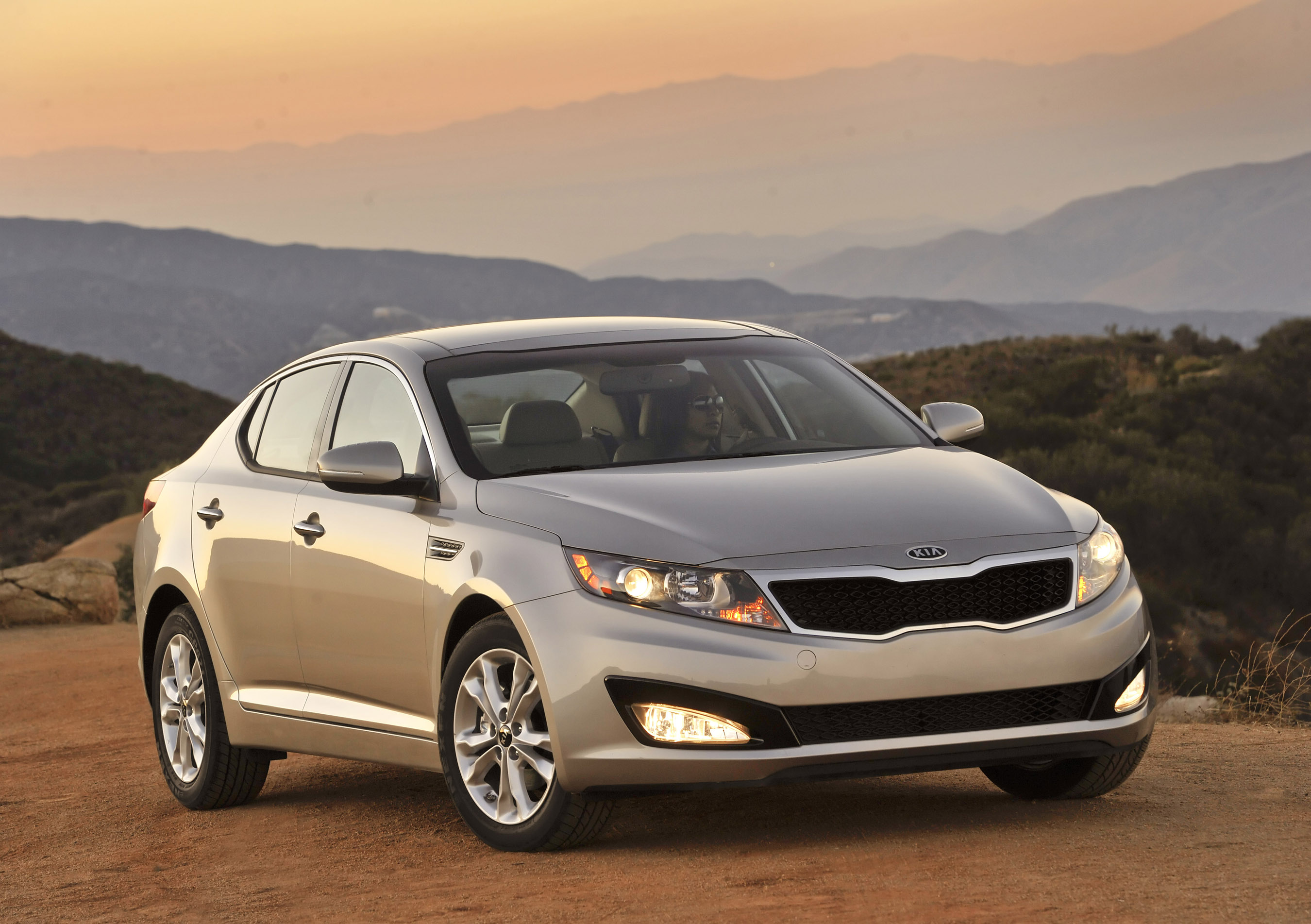 2011 kia optima honored as best of 2011 by cars com rh theautochannel com 2009 Kia Optima 2016 Kia Optima