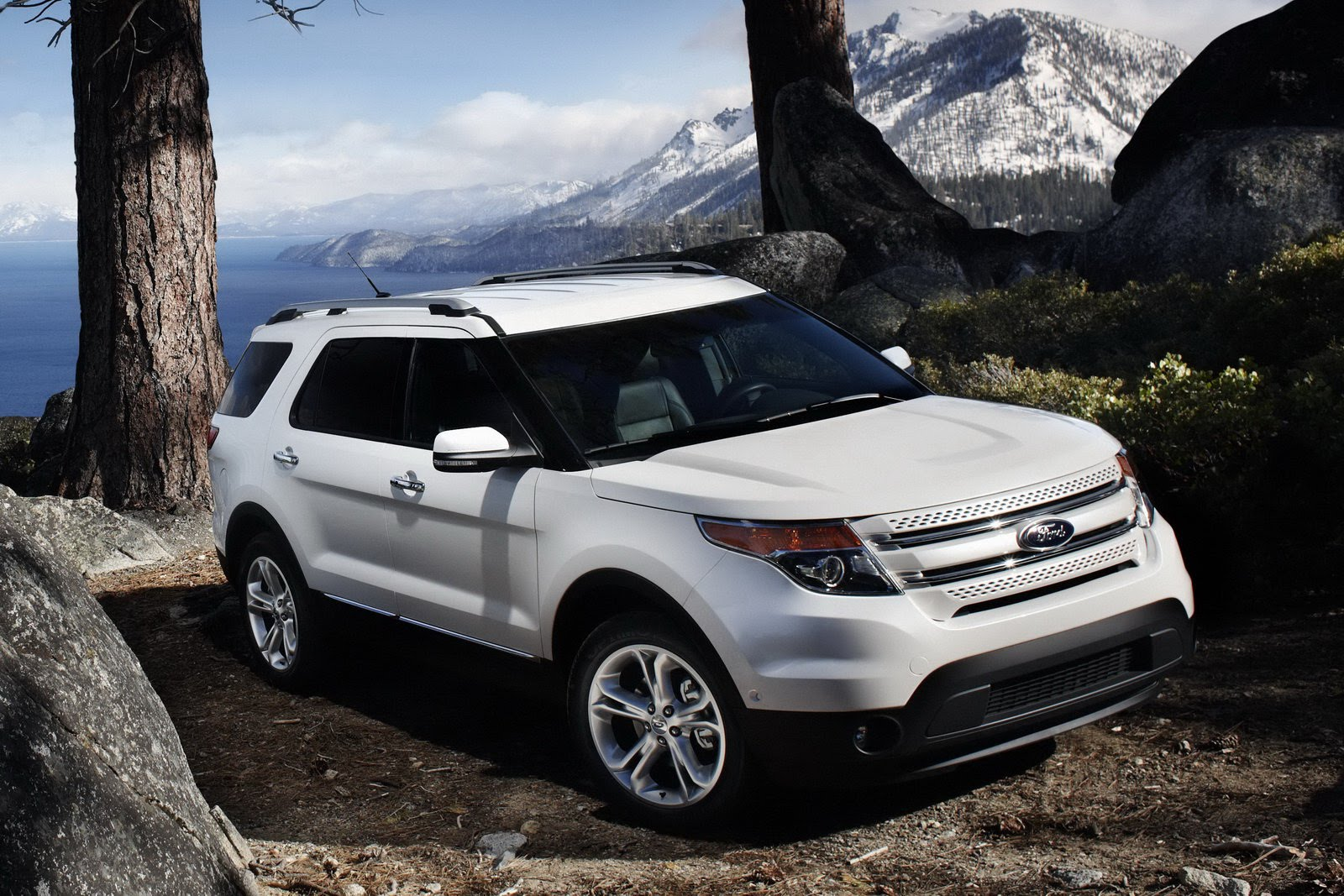 2011 Ford Explorer 4WD Review and Specifications