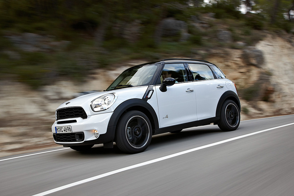 2011 mini cooper s countryman all4 crossover review. Black Bedroom Furniture Sets. Home Design Ideas