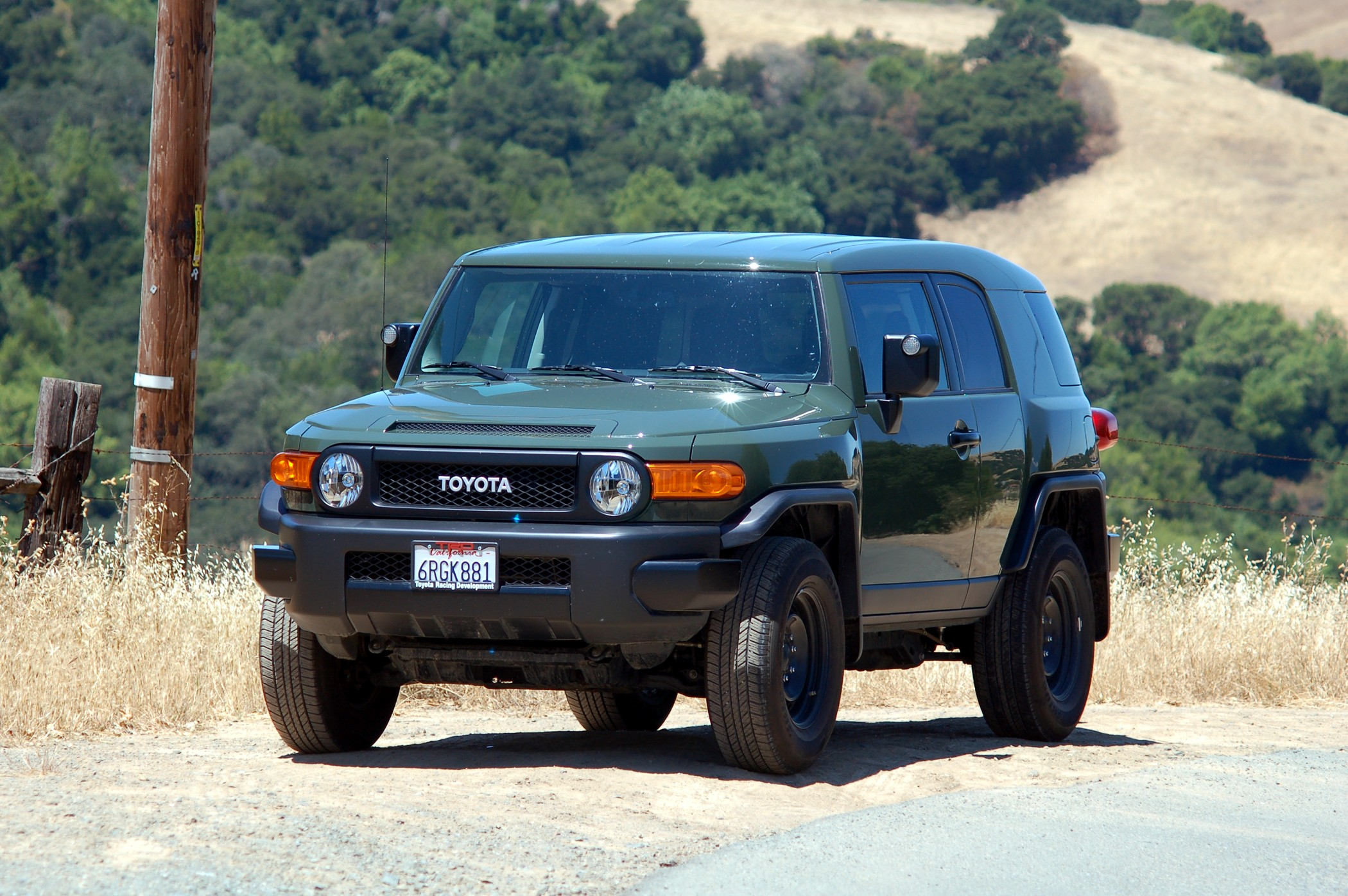 2011 Toyota FJ Cruiser Trail Teams Special Edition Road Test and ...