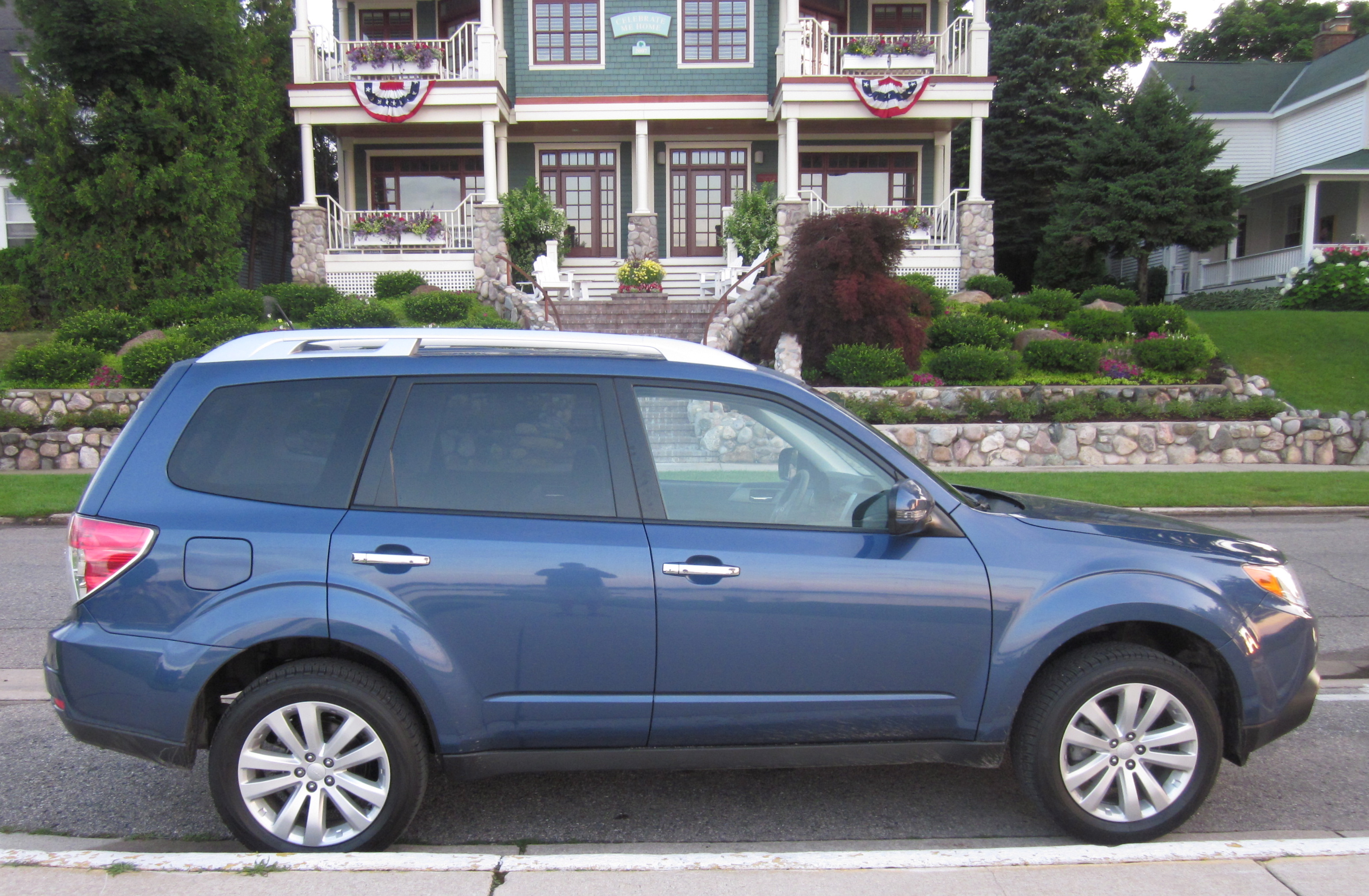 003842 2011 subaru forester 2 5x touring road test and review.5 lg - 2011 Subaru Forester 2 5x Limited