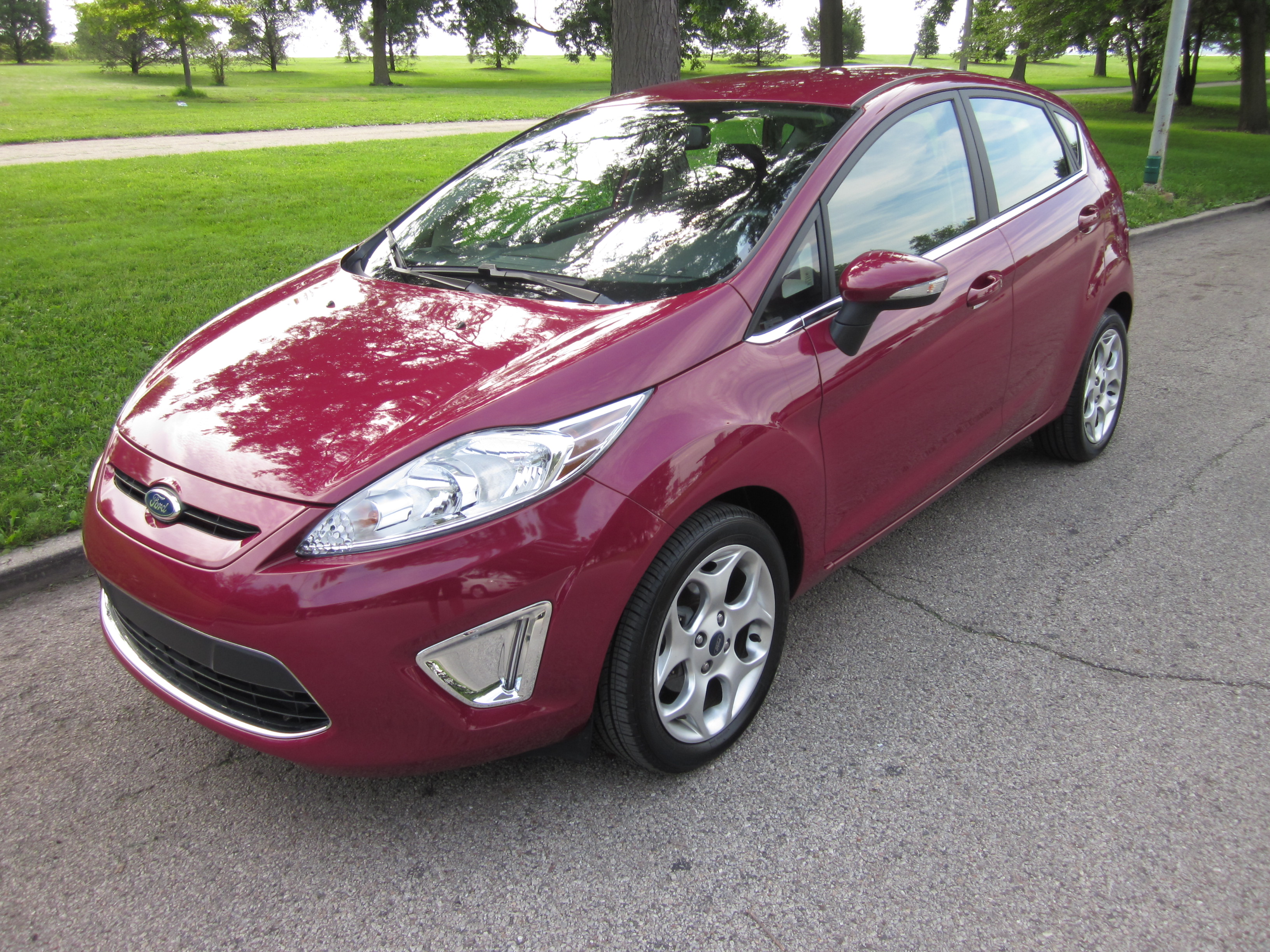 2011 Ford Fiesta SES Review By Larry Nutson  VIDEO