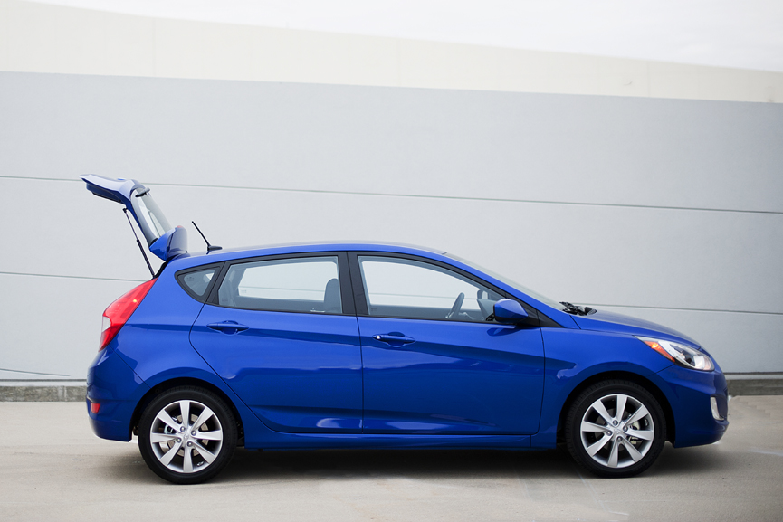 Hyundai Accent Hatchback Review - 2012 Hyundai Accent Hatchback Light Blue Images & Pictures ...