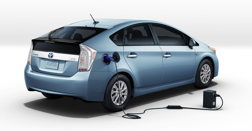 heels on wheels 2012 toyota prius plug in hybrid review. Black Bedroom Furniture Sets. Home Design Ideas