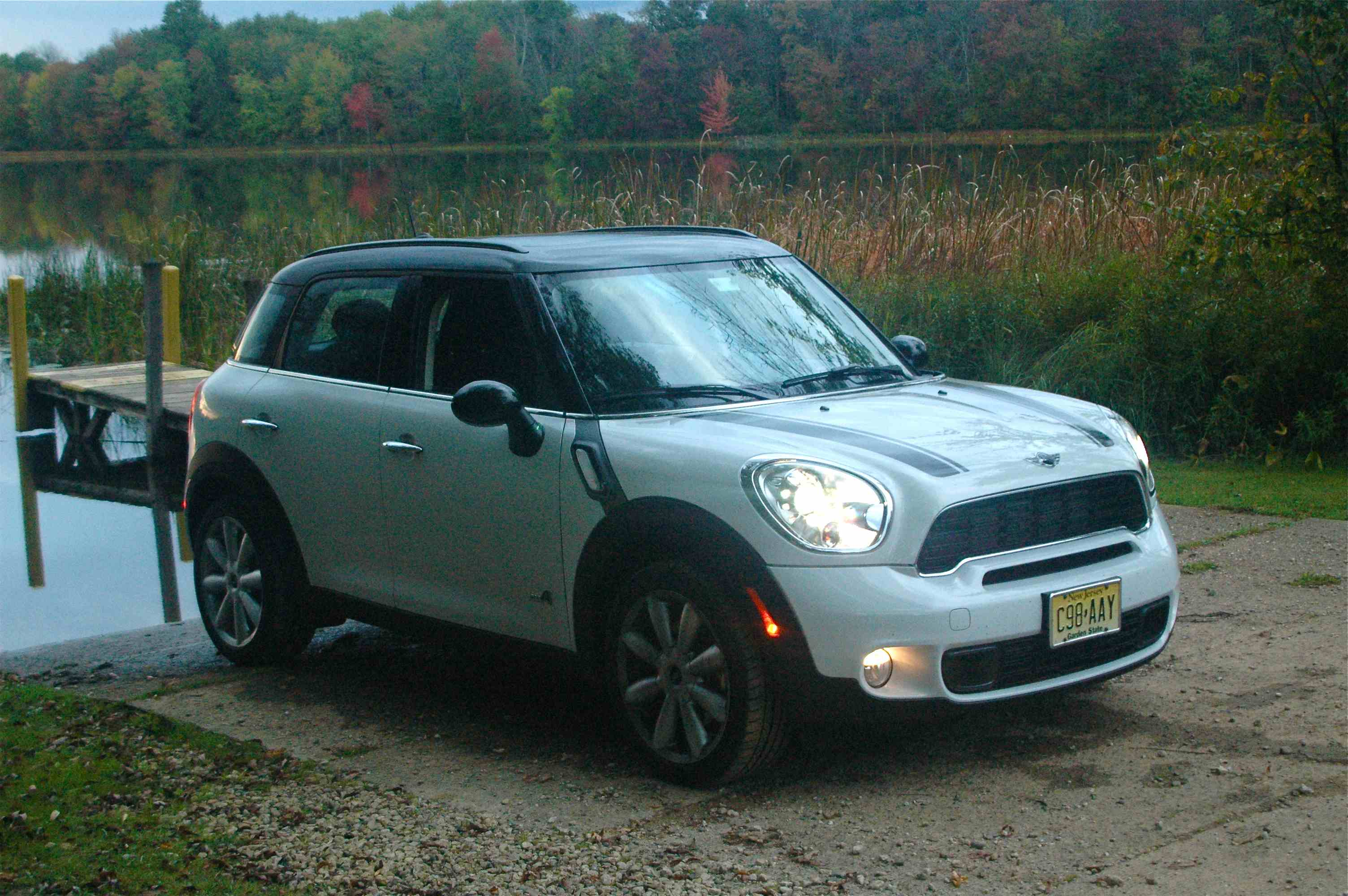 2011 mini cooper s countryman all4 road trip review by steve purdy video. Black Bedroom Furniture Sets. Home Design Ideas