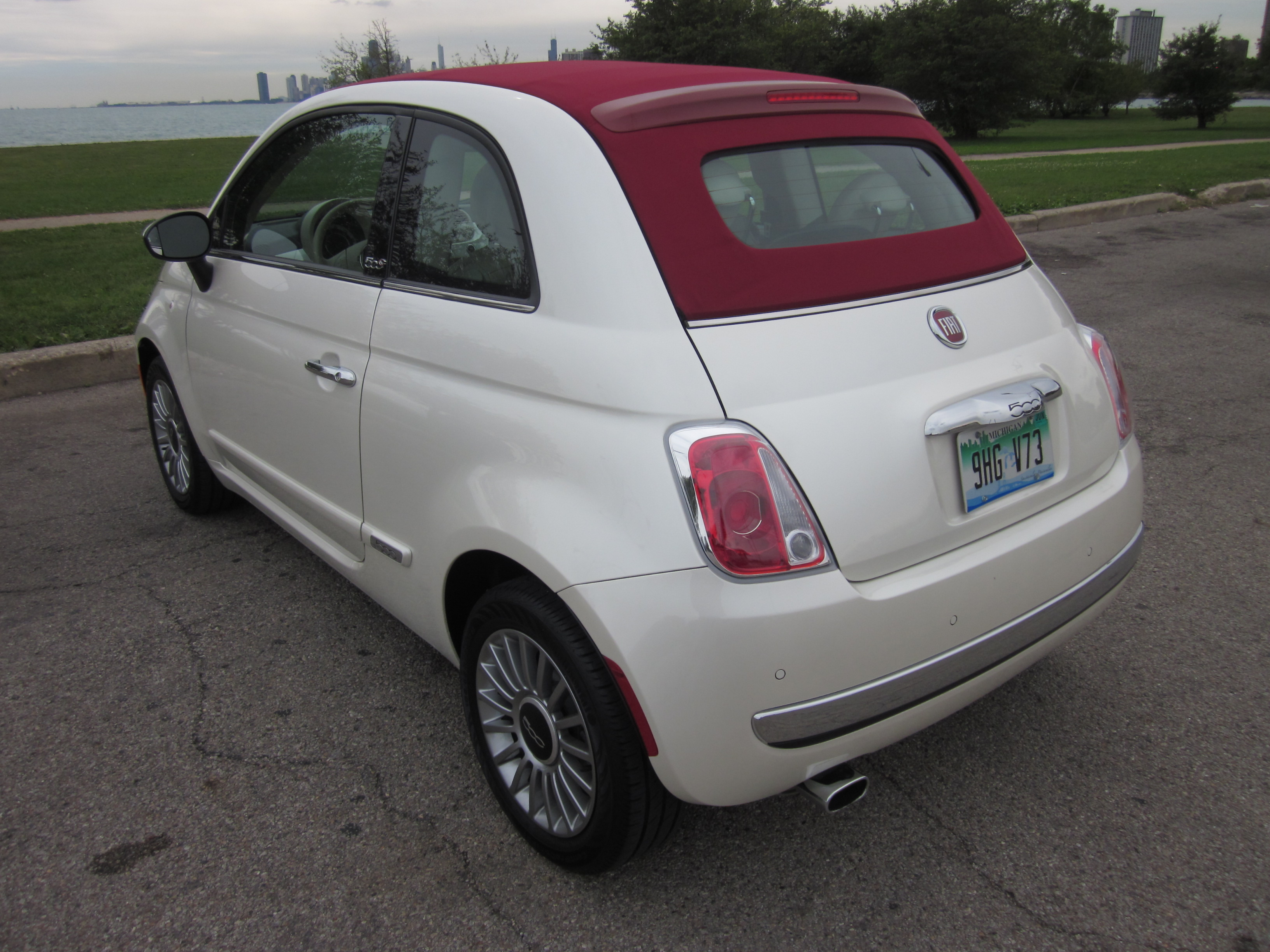 2012 fiat 500c drive and review by larry nutson video. Black Bedroom Furniture Sets. Home Design Ideas