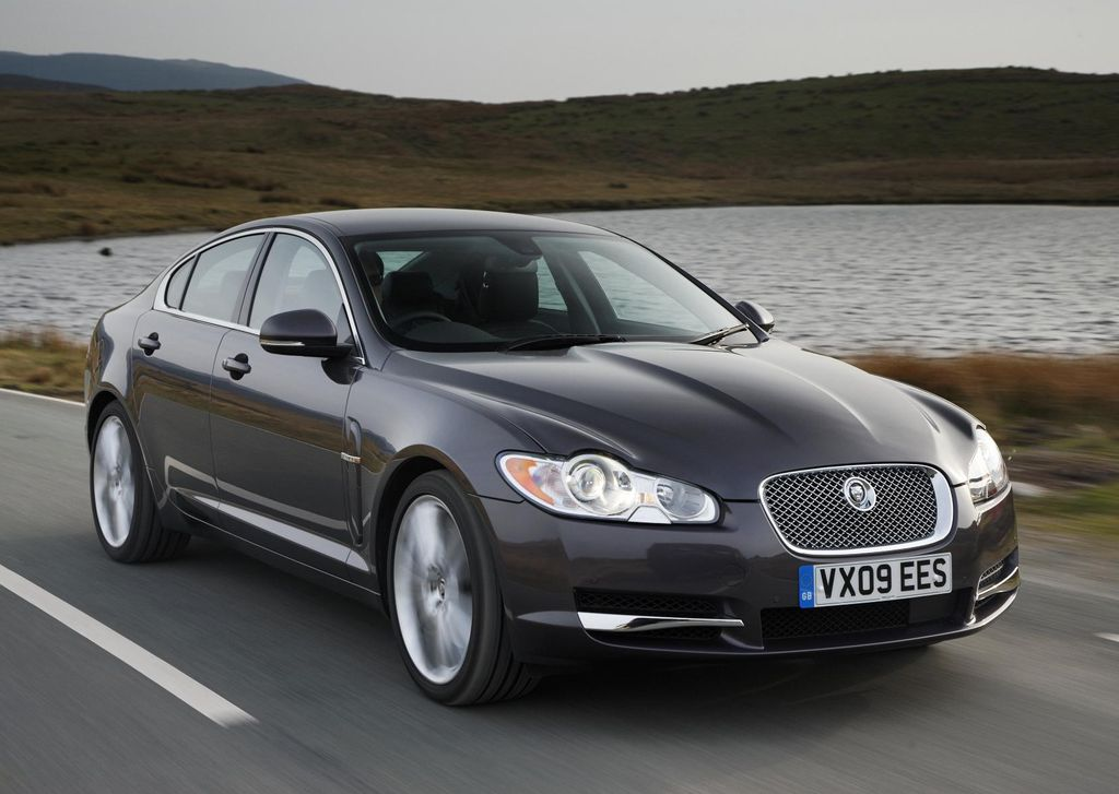 jaguar xf continues its winning ways. Black Bedroom Furniture Sets. Home Design Ideas