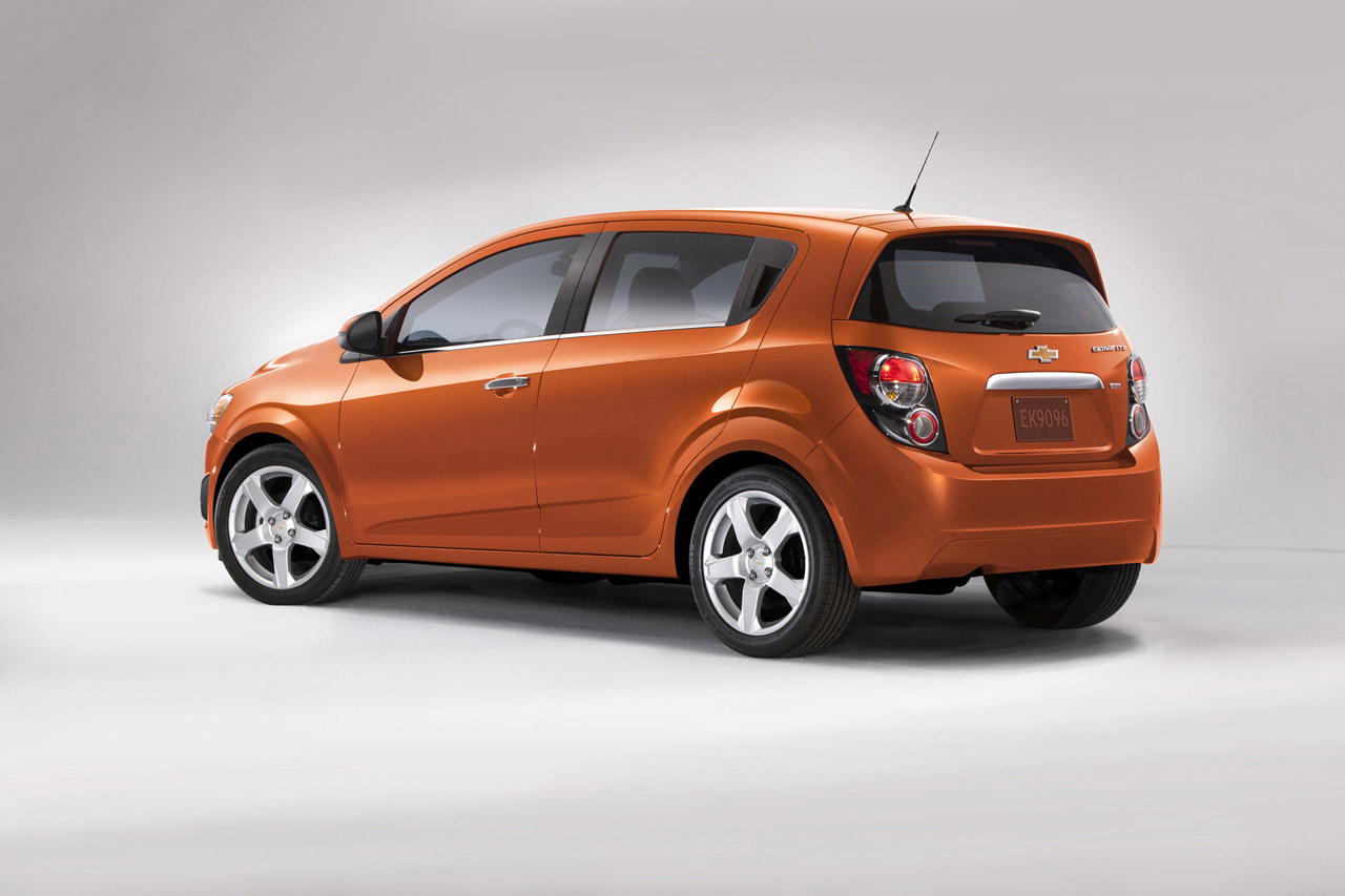 2012 chevrolet sonic ride and review by steve purdy. Black Bedroom Furniture Sets. Home Design Ideas