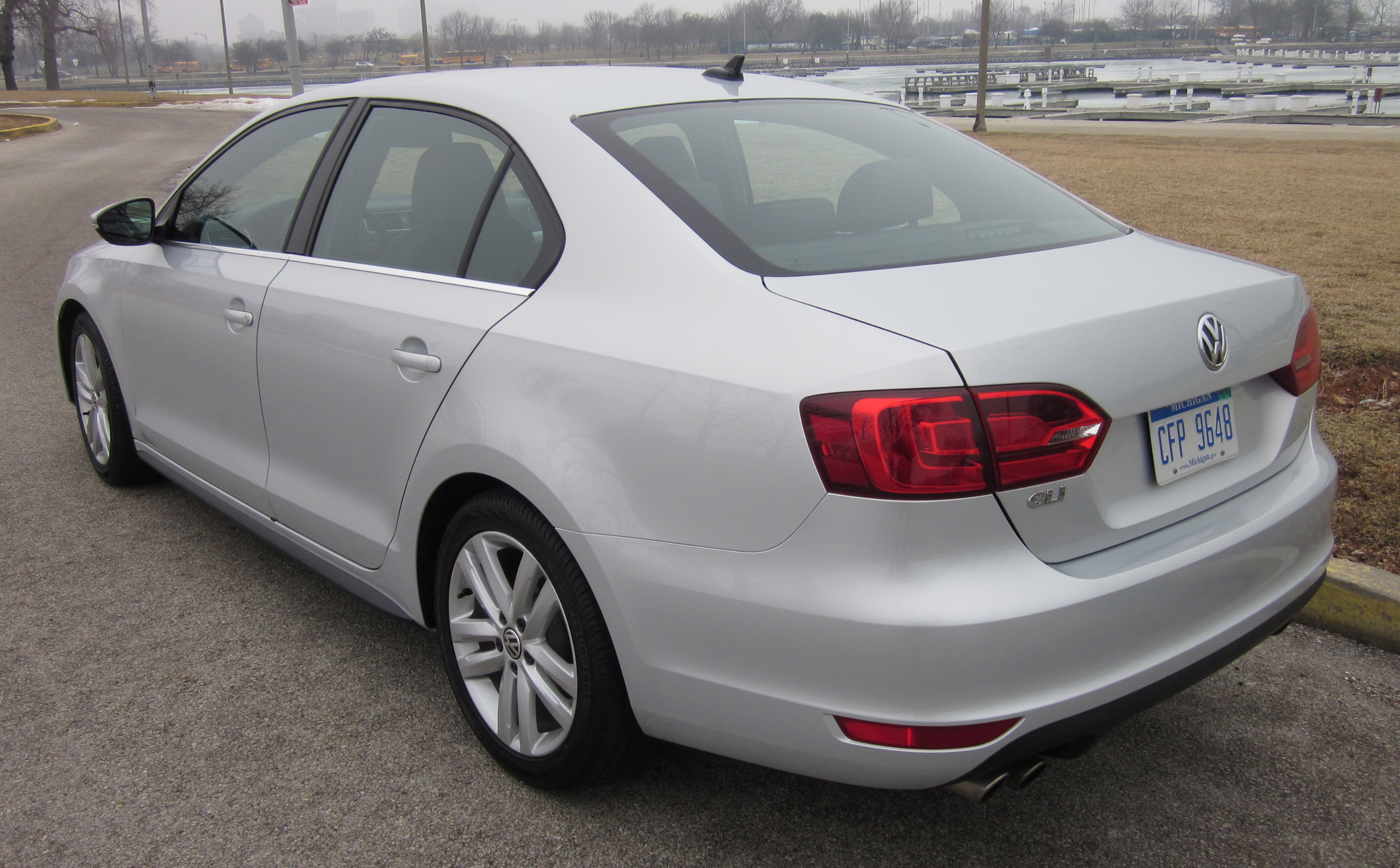 2012 volkswagen jetta gli review and fun drivelarry nutson +video