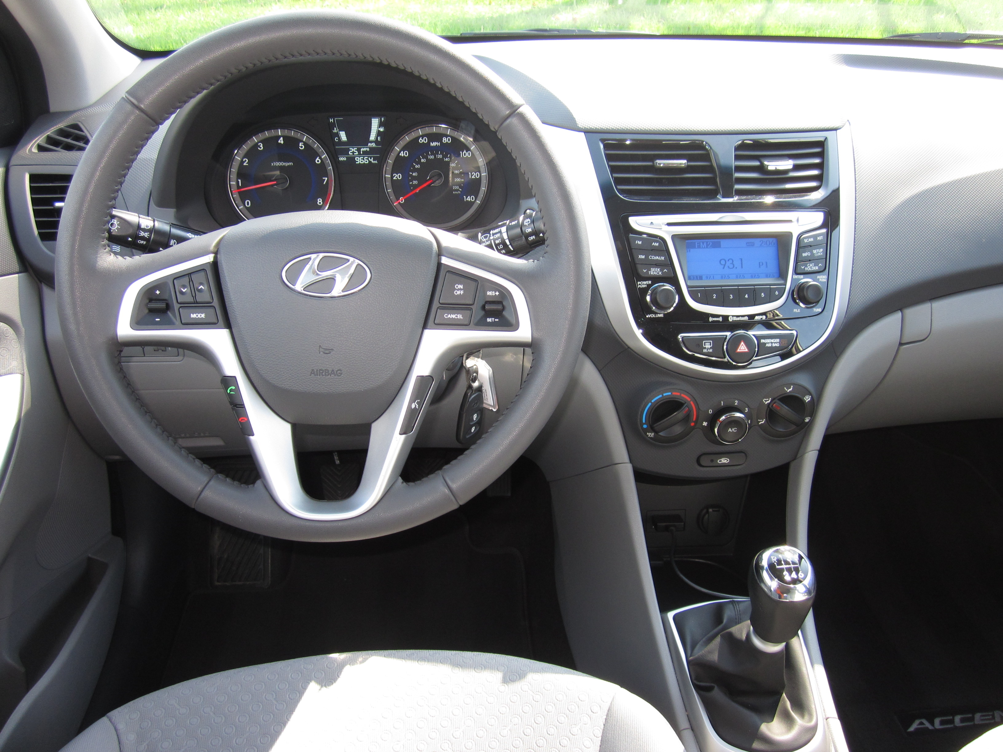He Said 2012 Hyundai Accent Drive And Review By Larry Nutson