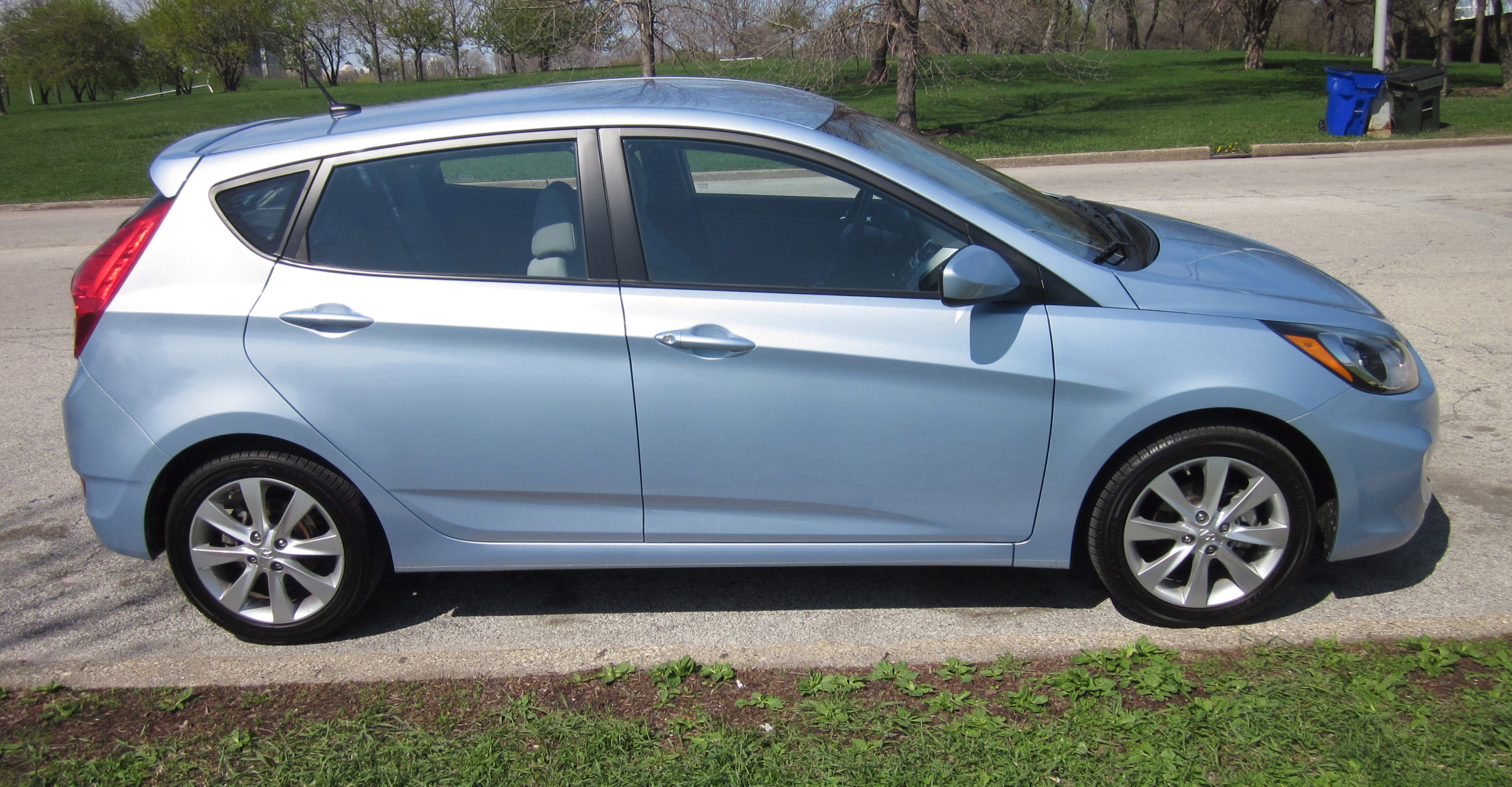 He Said - 2012 Hyundai Accent Drive and Review By Larry Nutson