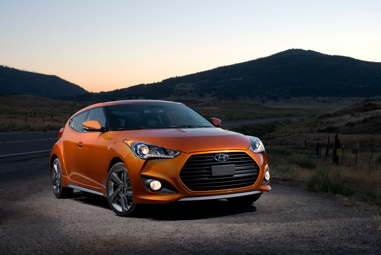 2013 hyundai veloster turbo ride and review by thom cannell. Black Bedroom Furniture Sets. Home Design Ideas