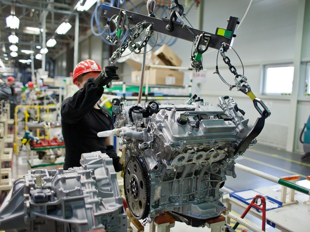 Toyota Motor Manufacturing Russia Adds A Second Shift