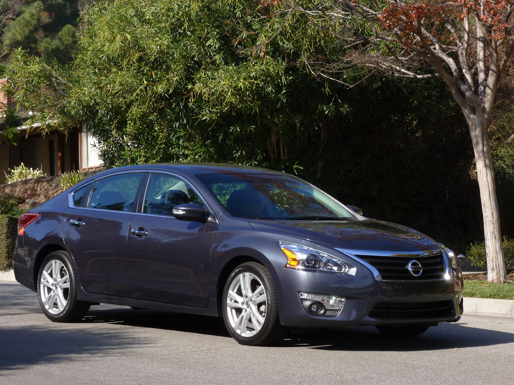 2013 Nissan Altima 3.5 SL Test Drive By Henny Hemmes