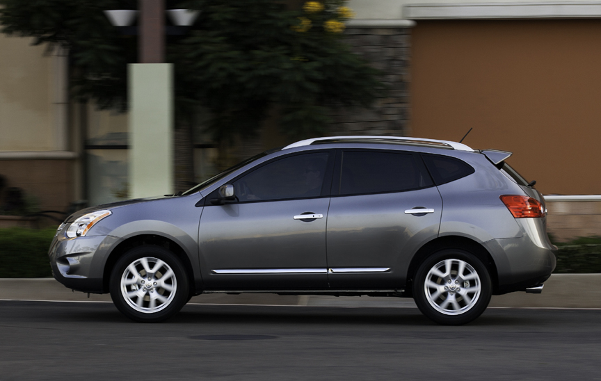 2013 nissan rogue sv fwd review by carey russ. Black Bedroom Furniture Sets. Home Design Ideas