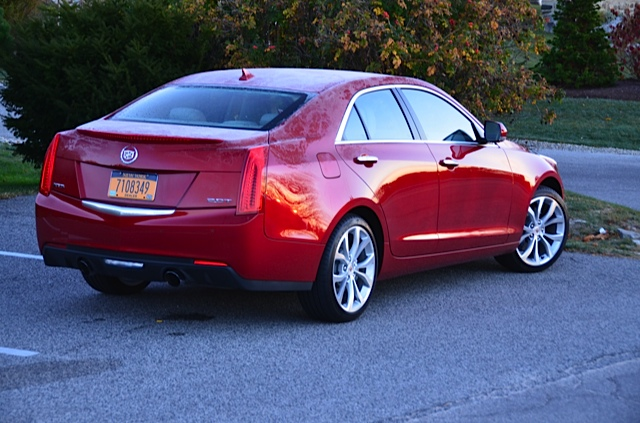2014 cadillac ats 2 0t six speeds three pedals. Black Bedroom Furniture Sets. Home Design Ideas