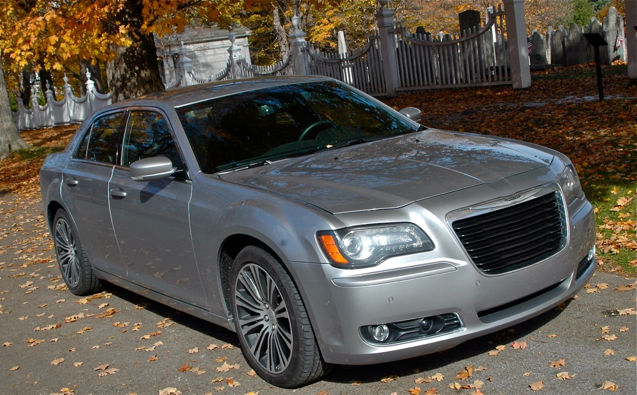2013 chrysler 300s a review and travel story. Black Bedroom Furniture Sets. Home Design Ideas