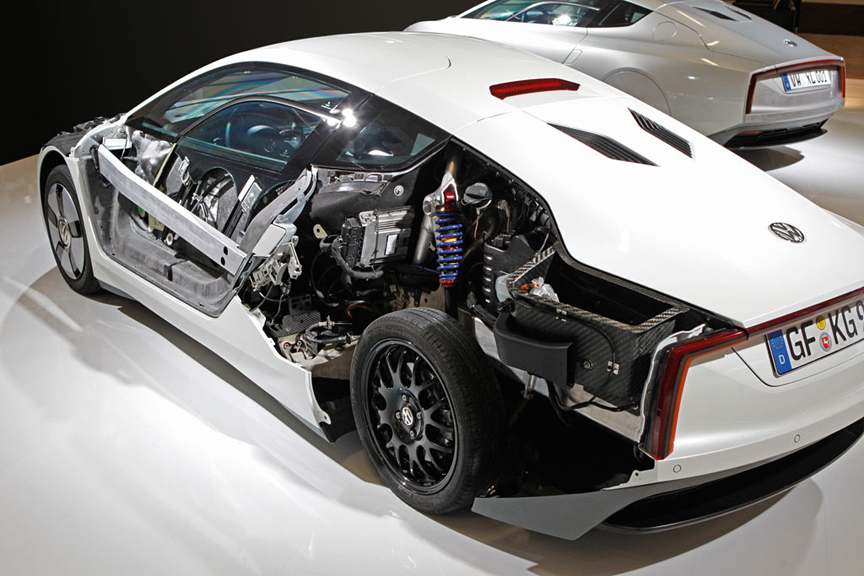 Special Drive: Volkswagen XL1 Concept by Henny Hemmes +VIDEO