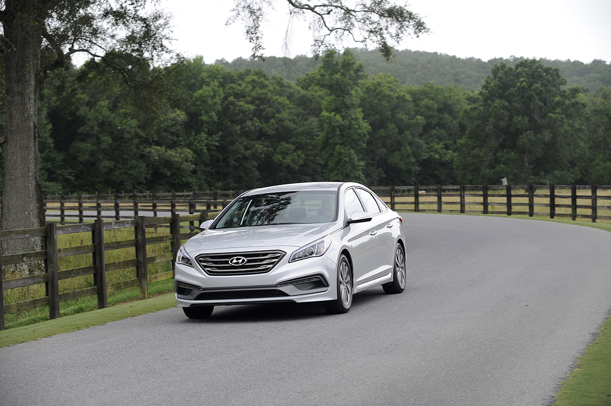 2015 hyundai sonata limited and first drive review by thom cannell video. Black Bedroom Furniture Sets. Home Design Ideas